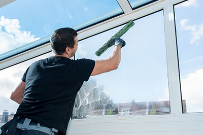 Things to consider when hiring window cleaning services